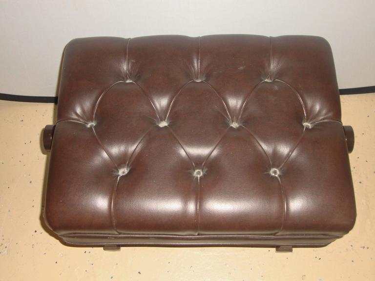 Unknown Steinway Adjustable Piano Bench in Leather For Sale