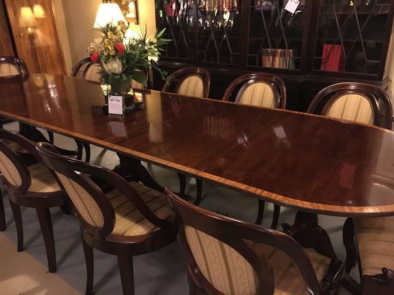 A Banded Mahogany Georgian Style Triple Pedestal Dining Table Fine Custom Quality