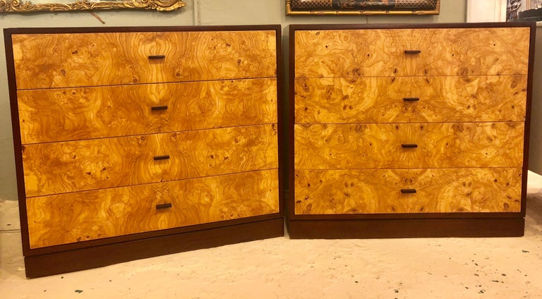 Mid-Century Modern Pair of Harvey Probber Labeled Burl Wood and Mahogany Commode Chests Nightstands For Sale