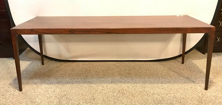 Mid-Century Modern Rosewood Coffee or Low Table with Pull Out Sides For Sale 8