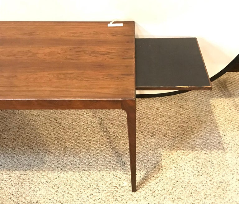 Mid-Century Modern Rosewood Coffee or Low Table with Pull Out Sides For Sale 9