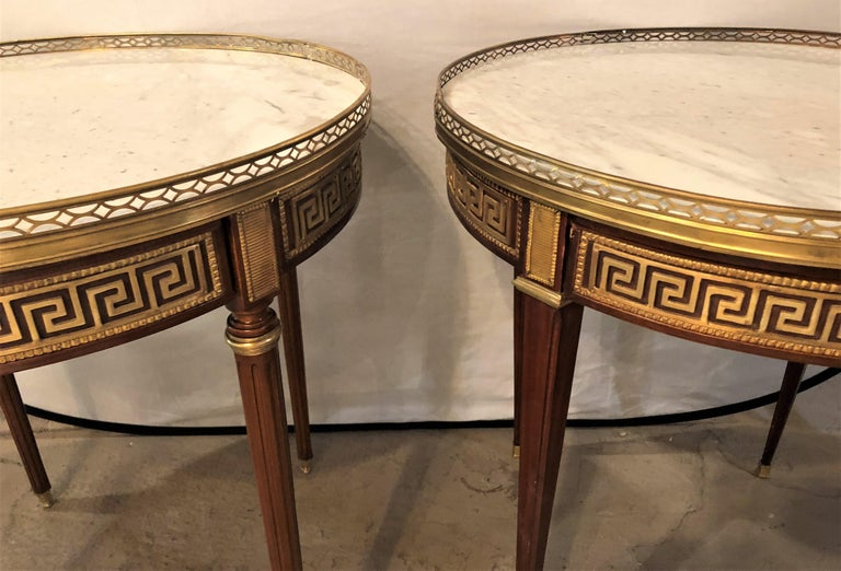 European Pair of Marble-Top Greek Key Bouiliotte Tables / End Mahogany Double Drawers For Sale