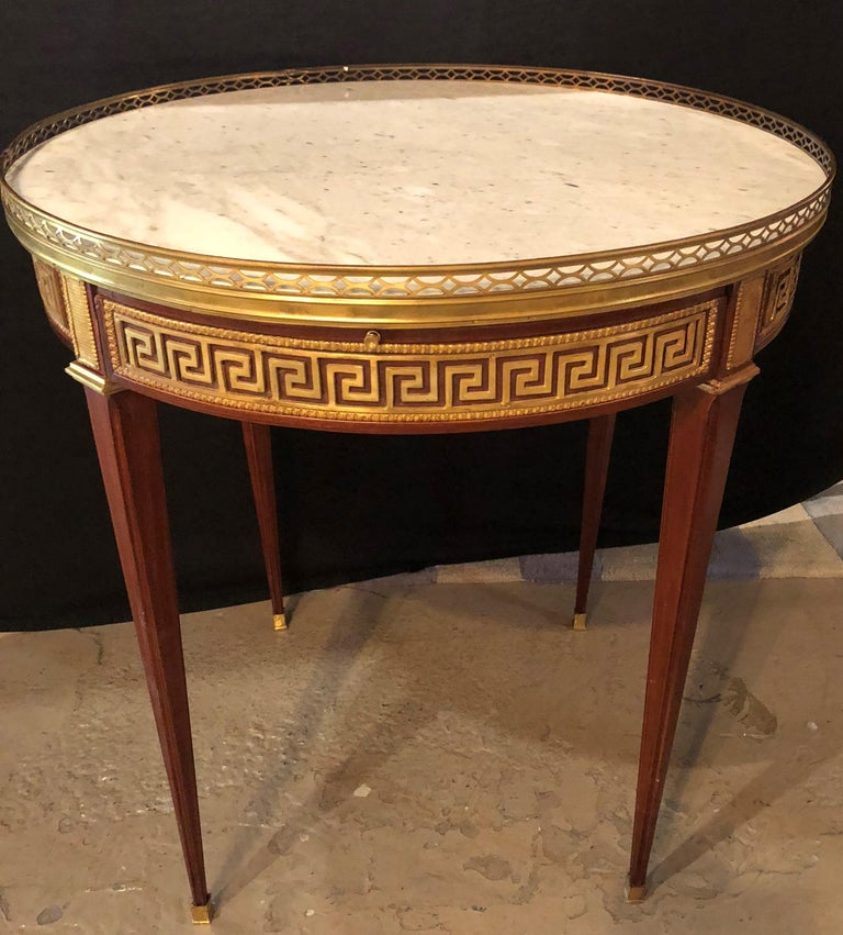 Pair of Marble-Top Greek Key Bouiliotte Tables / End Mahogany Double Drawers For Sale 8
