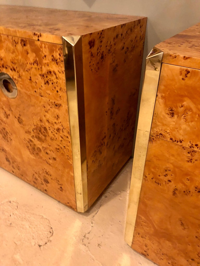 Pair of Willy Rizzo Commodes Nightstands with Brass Accents in a Light Burl Wood For Sale 10