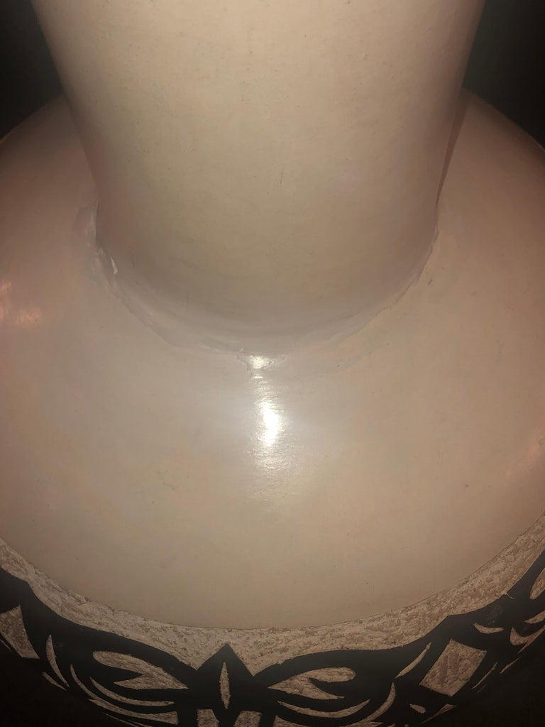 Vintage Moroccan White Pottery Large Urn or Floor Vase Jardinare In Good Condition For Sale In Stamford, CT
