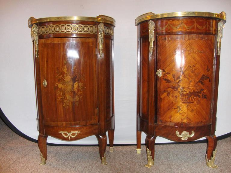 French Louis XV style Inlaid Pedestal end table. With a gallery marble top, single cabinet door, and brass accents throughout.  Can also be used as nightstand.