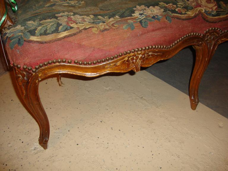 18th Century Louis XV Fruitwood Settee in Aubusson Upholstery For Sale 3