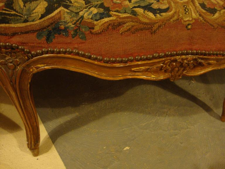 18th Century Louis XV Fruitwood Settee in Aubusson Upholstery For Sale 7