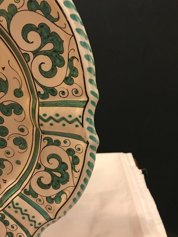 Italian Paint Decorated Platter In Good Condition For Sale In Stamford, CT