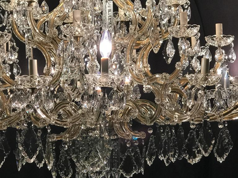 Monumental Antique Venetian Chandelier Having 41 Lights In Good Condition For Sale In Stamford, CT