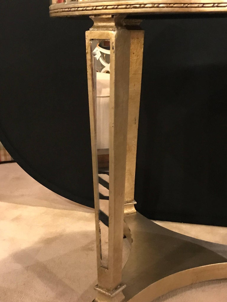 Late 20th Century Pair of Hollywood Regency Style Mirrored and Silvered End Lamp Tables For Sale