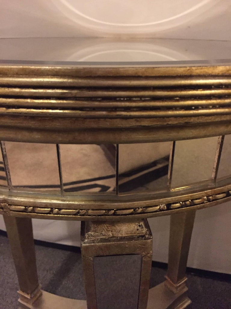 Pair of Hollywood Regency Style Mirrored and Silvered End Lamp Tables For Sale 3