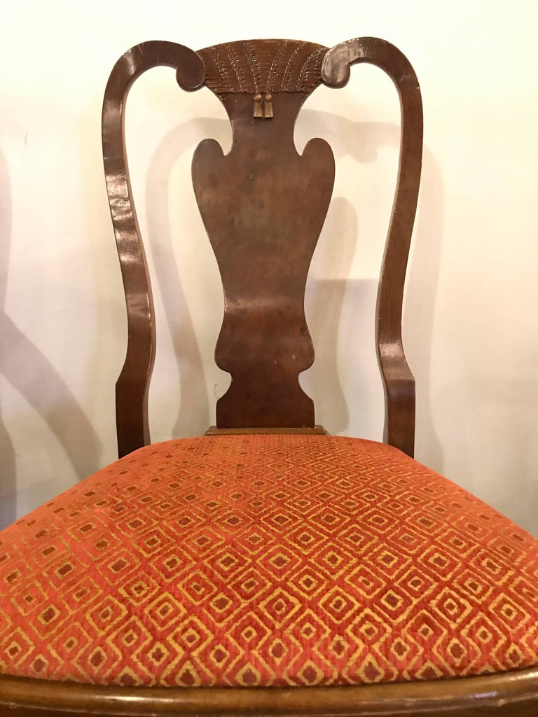 Set of Ten Queen Anne Style Dining Chairs, Pair of Arm and Eight Side Chairs In Good Condition For Sale In Stamford, CT