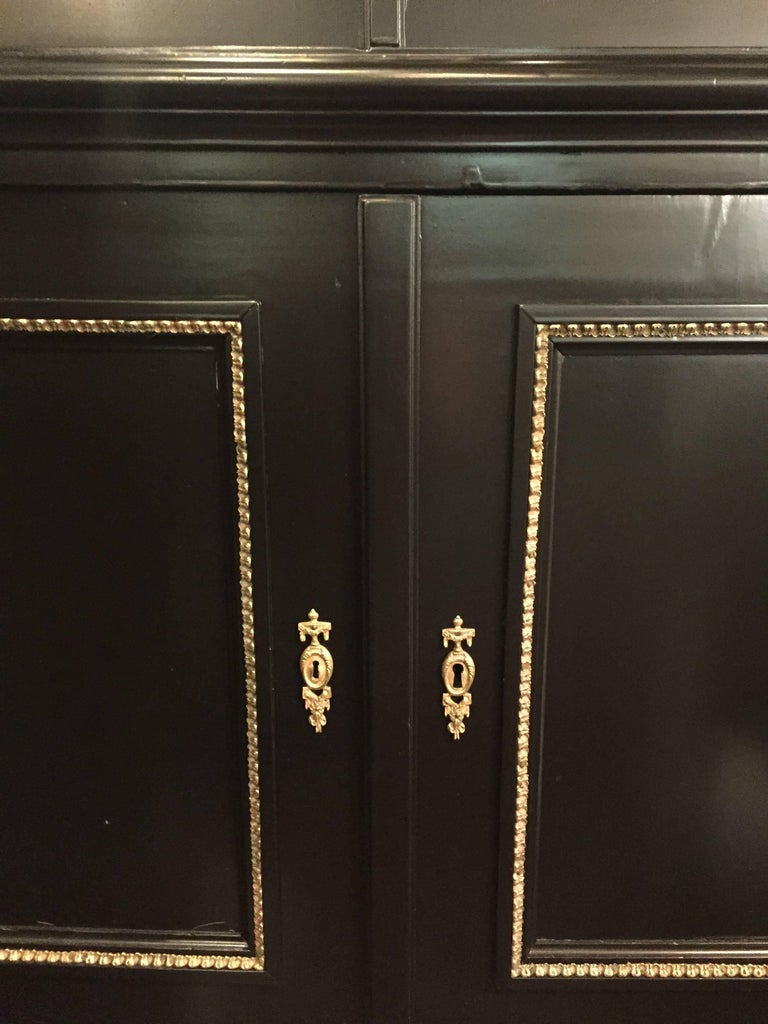 20th Century Pair of Fine Bronze-Mounted Maison Jansen Style Corner Cupboard/Display Cabinets For Sale