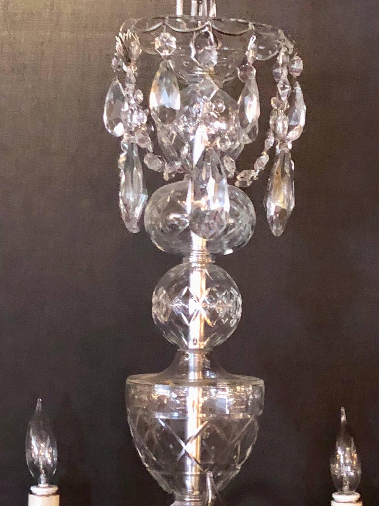 Fine Cut Crystal Georgian Chandelier with Large Pendants In Good Condition For Sale In Stamford, CT