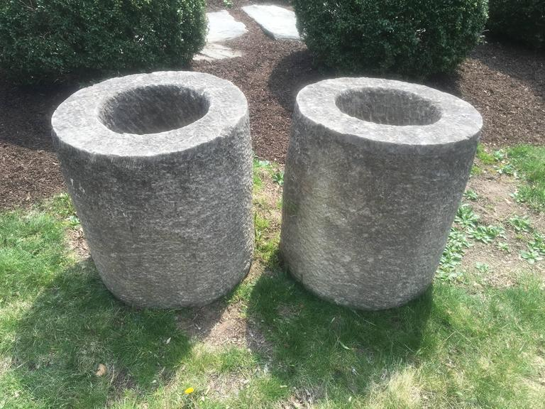 Pair of French Carved Stone Cylindrical Planters In Good Condition For Sale In Woodbury, CT