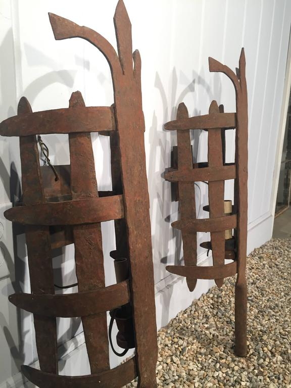 Large Pair of French Wrought Iron Medieval-Style Sconces In Good Condition For Sale In Woodbury, CT