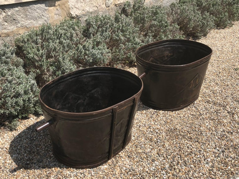Pair of Diamond-Design French Steel Grape Bucket Planters In Good Condition For Sale In Woodbury, CT