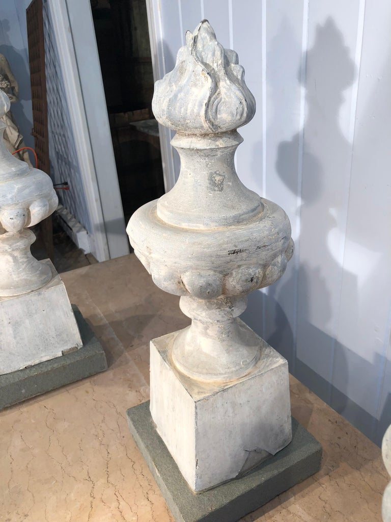 Two Pairs of 19th Century French Zinc Flame Finials For Sale 3