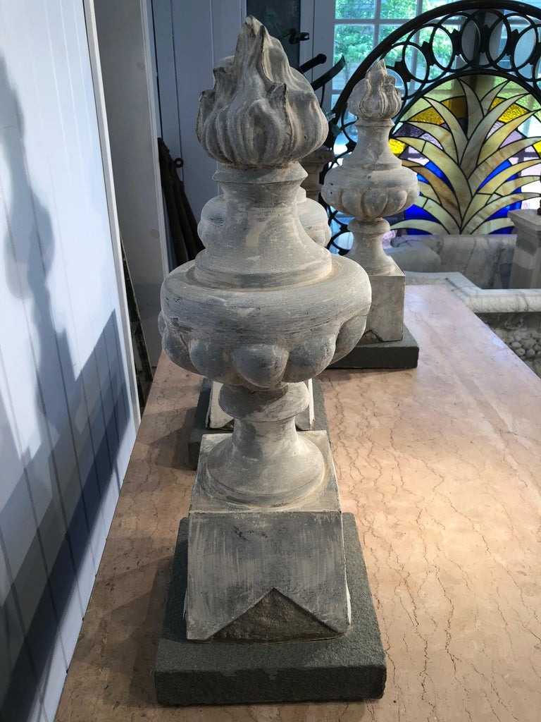 Two Pairs of 19th Century French Zinc Flame Finials For Sale 4