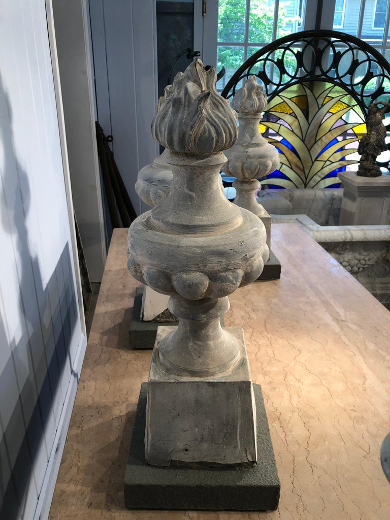Two Pairs of 19th Century French Zinc Flame Finials For Sale 5
