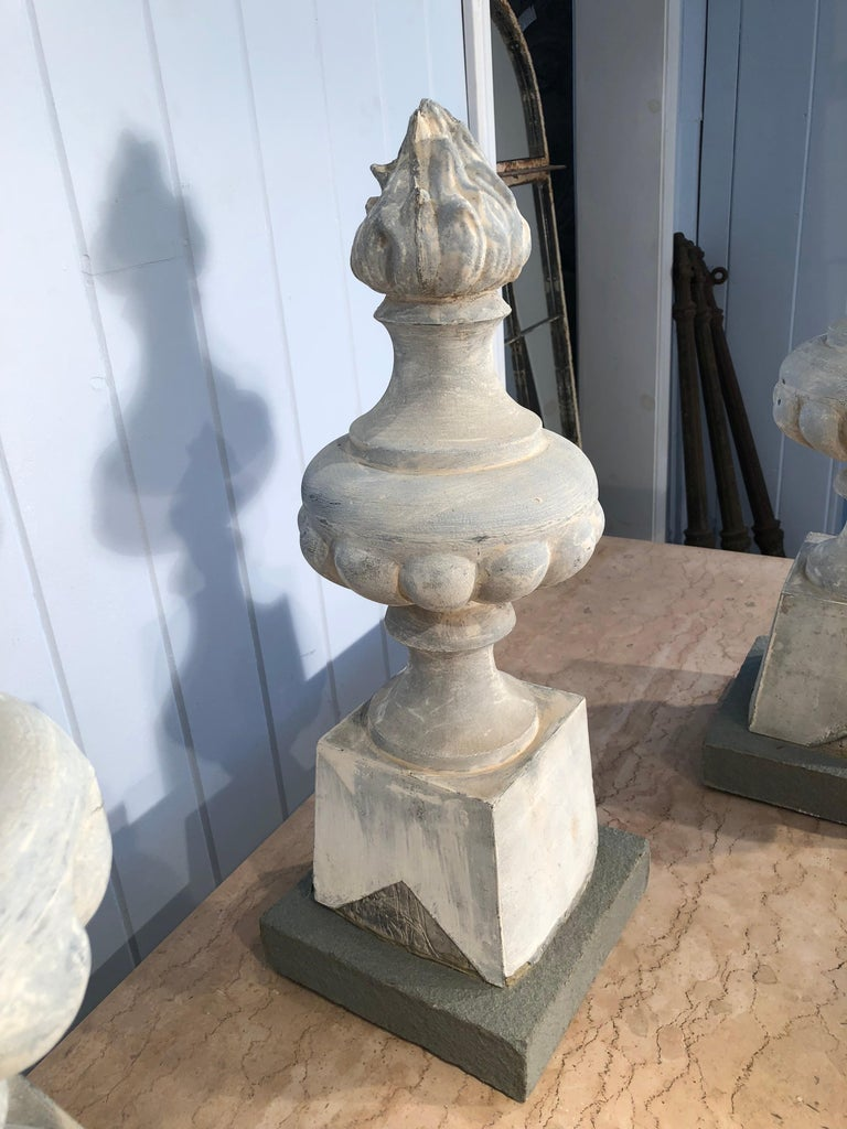 Two Pairs of 19th Century French Zinc Flame Finials For Sale 8