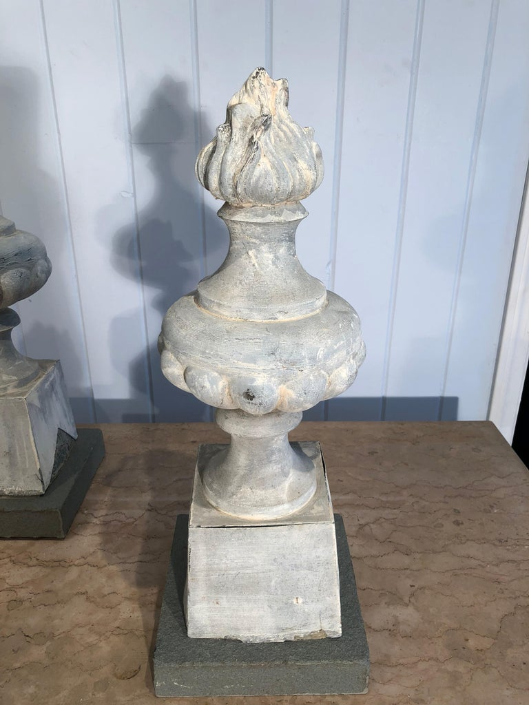 Two Pairs of 19th Century French Zinc Flame Finials For Sale 10