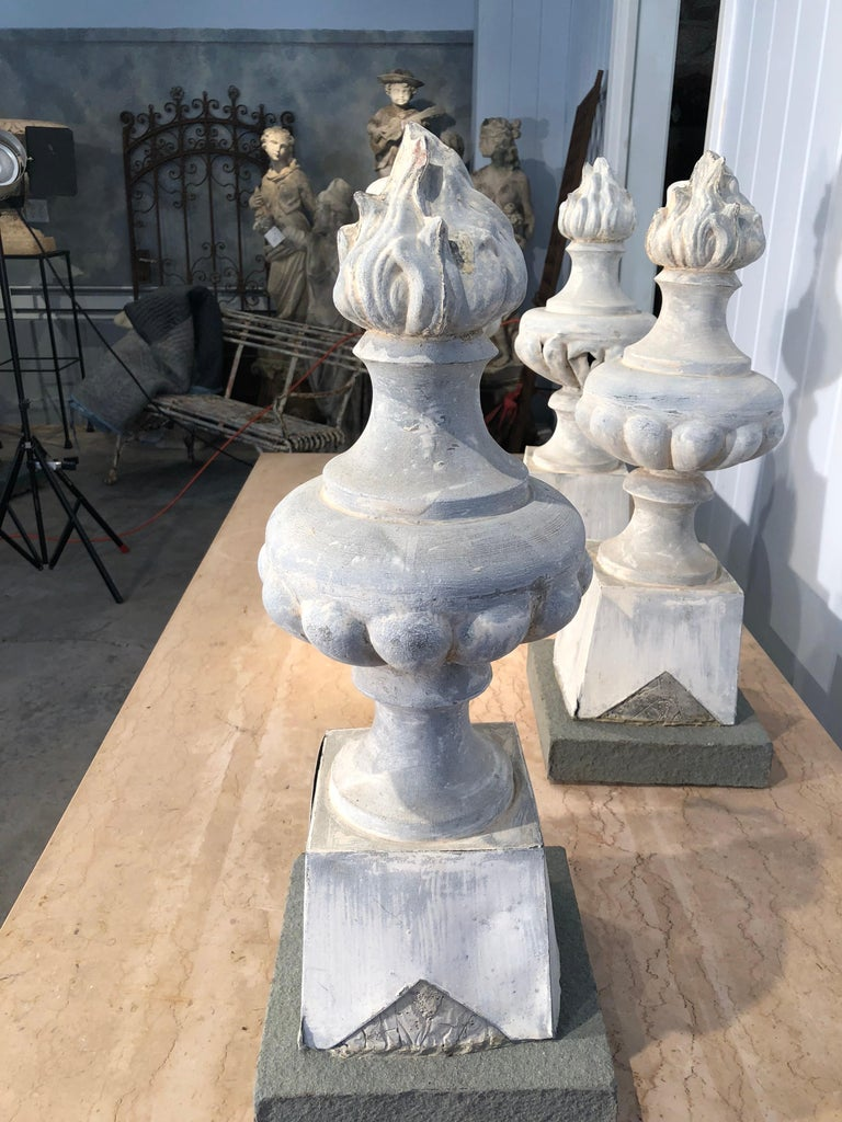 Two Pairs of 19th Century French Zinc Flame Finials For Sale 12
