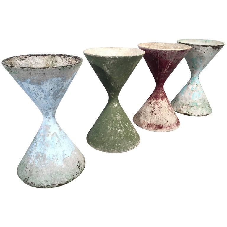 "Three Small Hourglass ""Diabolo"" Willy Guhl Planters"