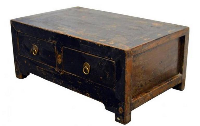 Antique Chinese 19th Century Low Kang Two Drawers Black Lacquered Cabinet 2