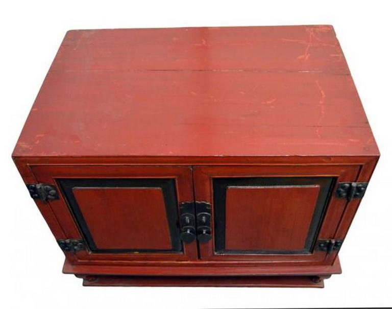 Antique Red Lacquer Bedside Cabinet with Hardware from Mid 19th Century China In Good Condition For Sale In Yonkers, NY
