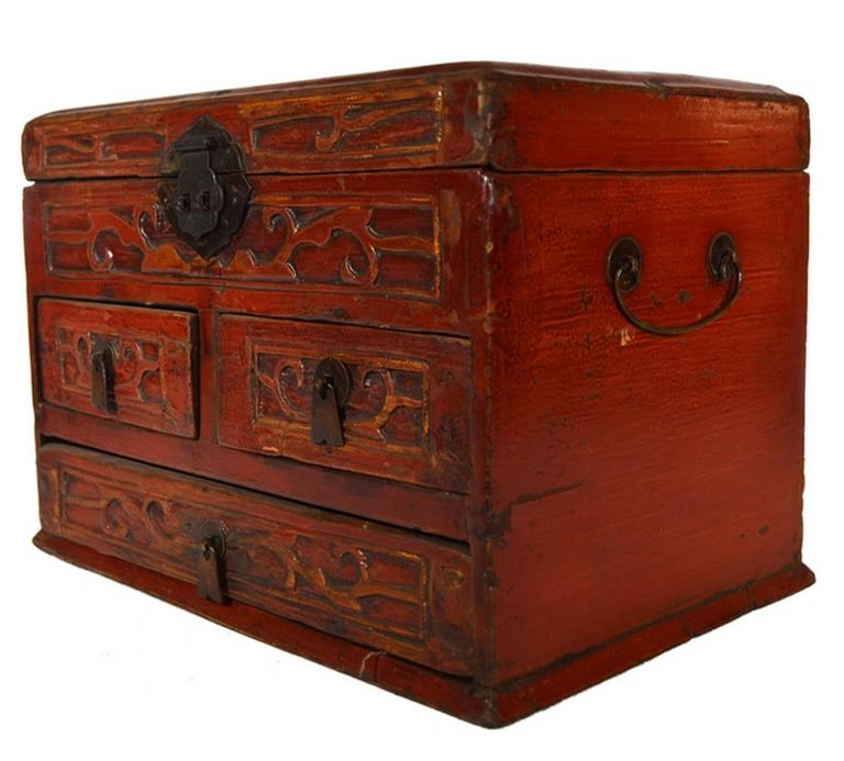 20th Century Vintage Carved and Lacquered Jewelry Box with Drawers from China, 1950s For Sale