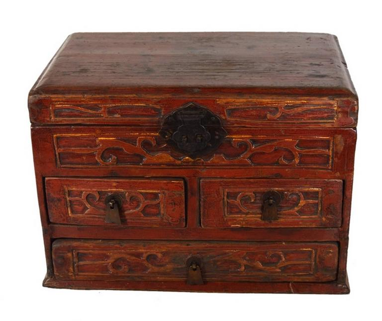 Chinese Vintage Carved and Lacquered Jewelry Box with Drawers from China, 1950s For Sale