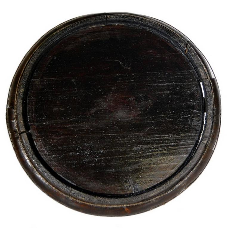 Antique Hand-Carved Dark Chinese Wooden Offering Basket from the, 19th Century For Sale 3