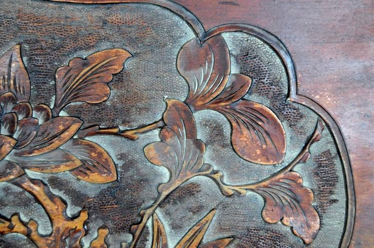 Chinese 19th Century Hand-Carved Rosewood Lacquered Bird and Foliage Wall Plaque For Sale 2