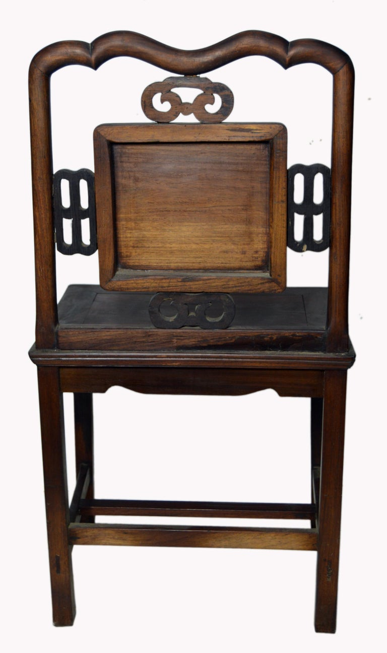 Antique Chinese Lacquered Yumu Wood Side Chair with Hand-Carved Décor For Sale 1