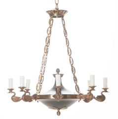 French Early 20th Century Eight-Light Brass Chandelier