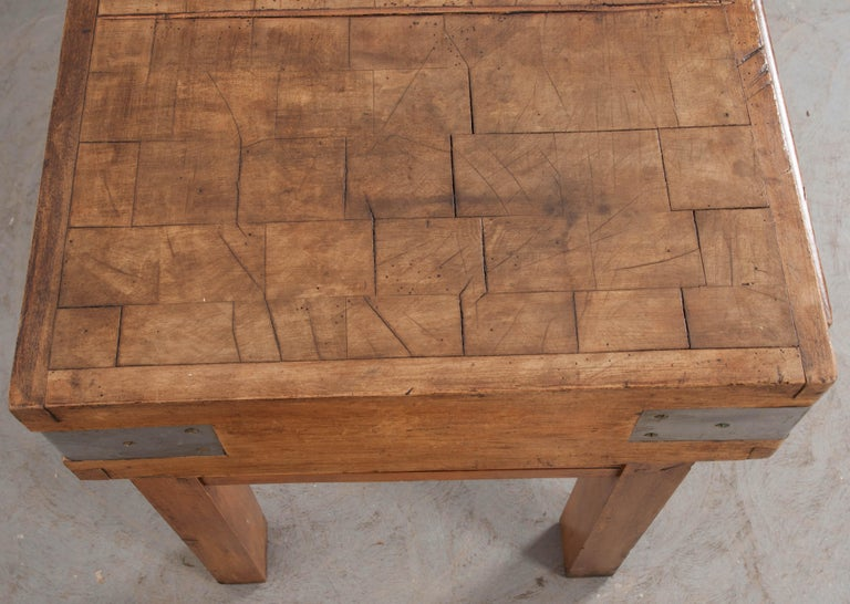 French Early 20th Century Art Deco Pine Butcher Block For Sale 5