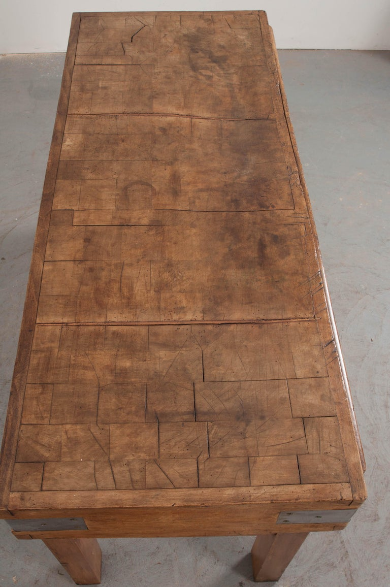 French Early 20th Century Art Deco Pine Butcher Block For Sale 4