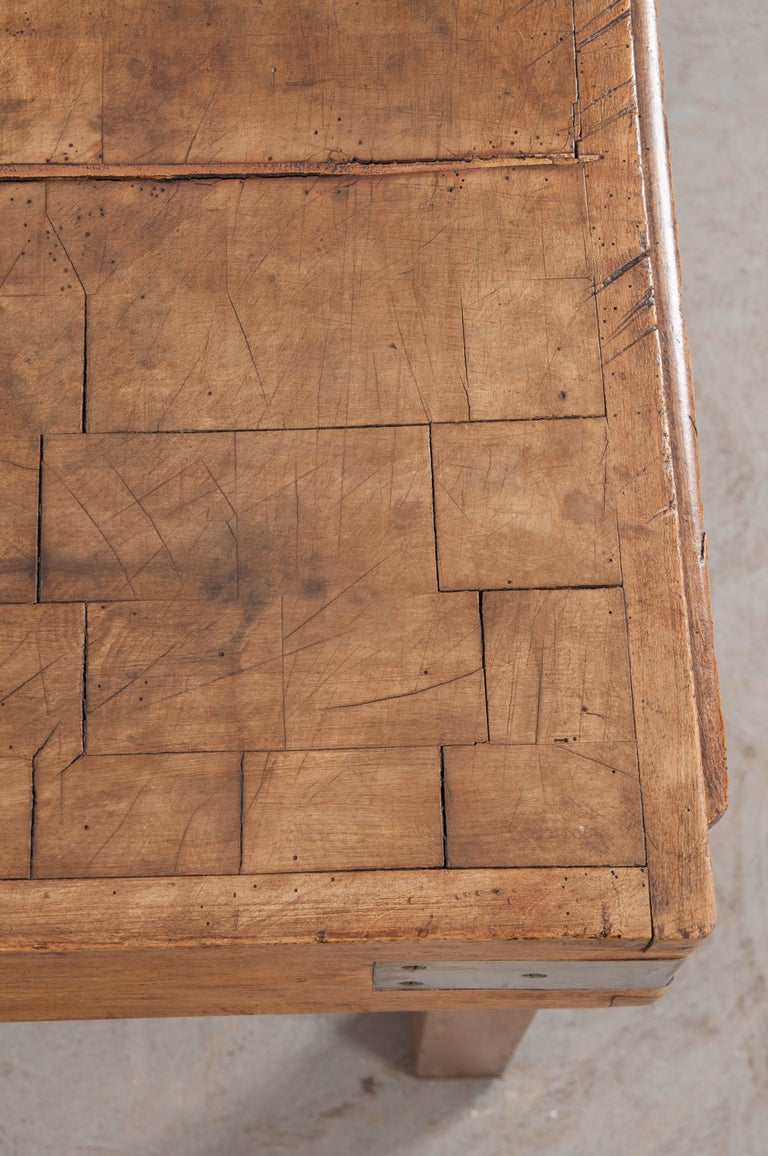 French Early 20th Century Art Deco Pine Butcher Block For Sale 6