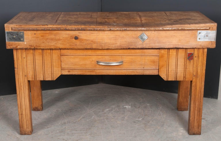 French Early 20th Century Art Deco Pine Butcher Block For Sale 8