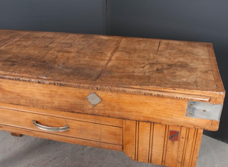 French Early 20th Century Art Deco Pine Butcher Block For Sale 9