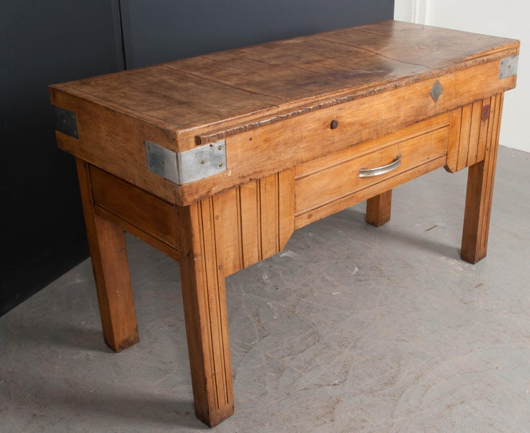 French Early 20th Century Art Deco Pine Butcher Block For Sale 11