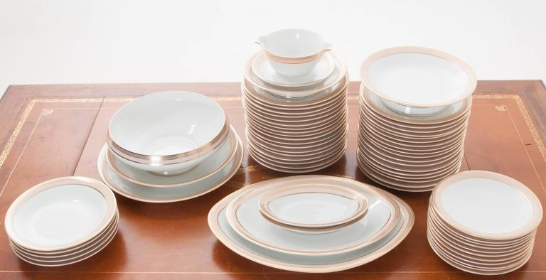 French Limoges 62 Piece Dinner Service In Good Condition For Sale In Baton Rouge, LA
