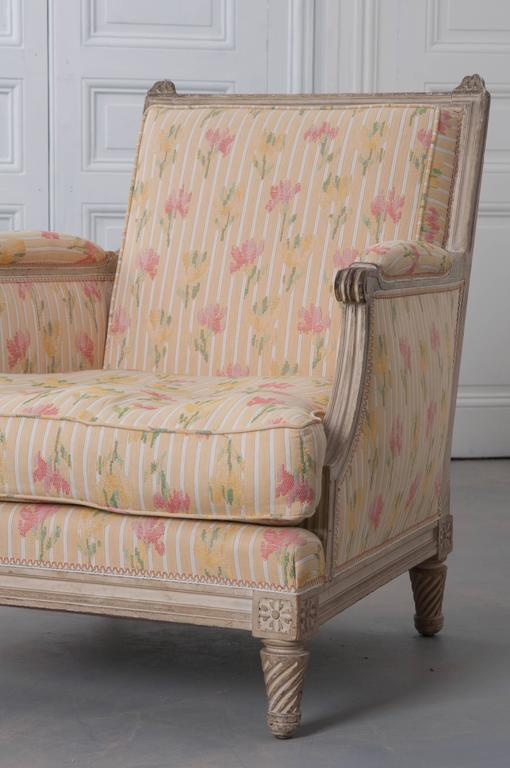 Pair of French Painted Louis XVI Style Bergères For Sale 1