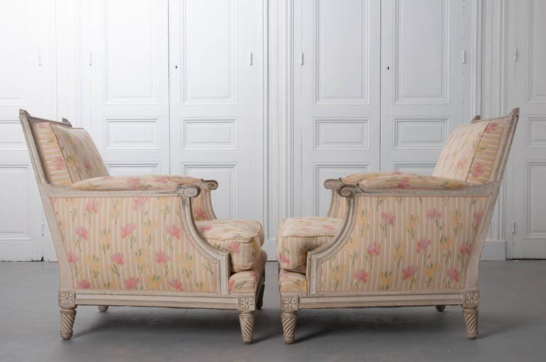 Pair of French Painted Louis XVI Style Bergères For Sale 4