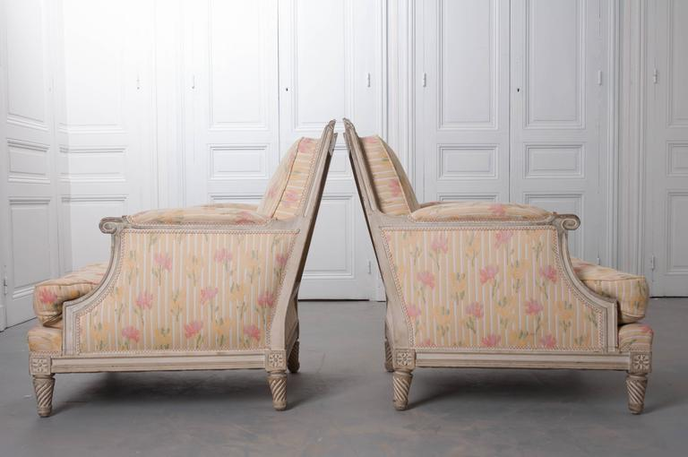 Pair of French Painted Louis XVI Style Bergères For Sale 5