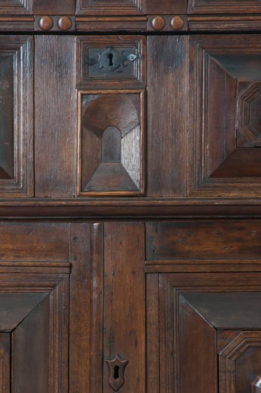 Patinated English 17th Century Charles II Oak Chest of Drawers For Sale