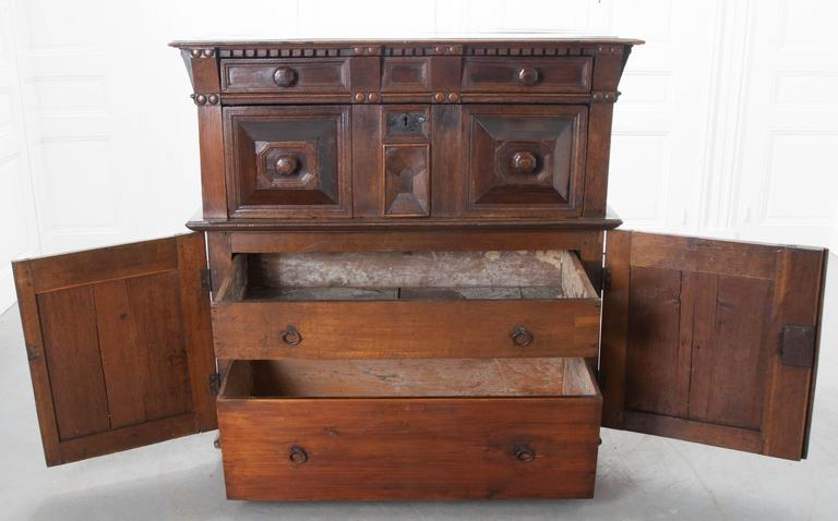 English 17th Century Charles II Oak Chest of Drawers For Sale 1