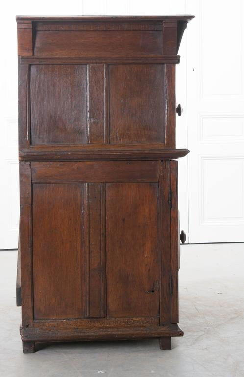 English 17th Century Charles II Oak Chest of Drawers For Sale 3